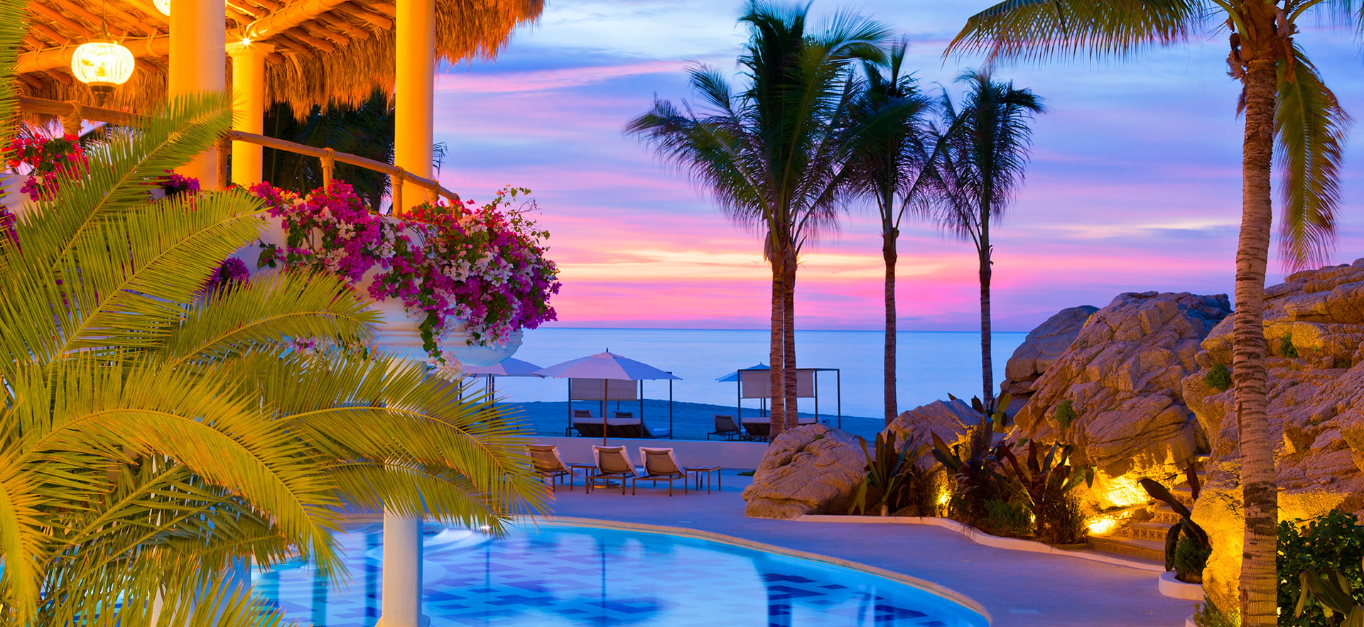 Hotel mar del cabo by Velas Resorts, con vista al mar.